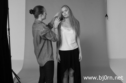 Behind the Scenes with Jennifer Hansen at Skyderiet.dk. MUA is Malene Micha Juhl